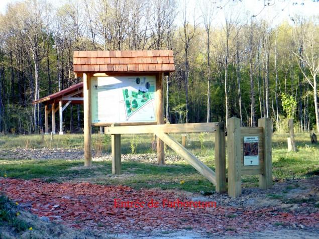 Panneau à l'entrée de l'Arboretum