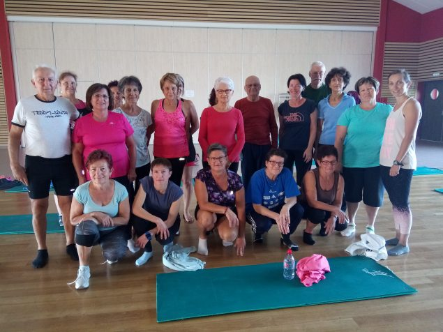 Le groupe de gym douce avec Caroline